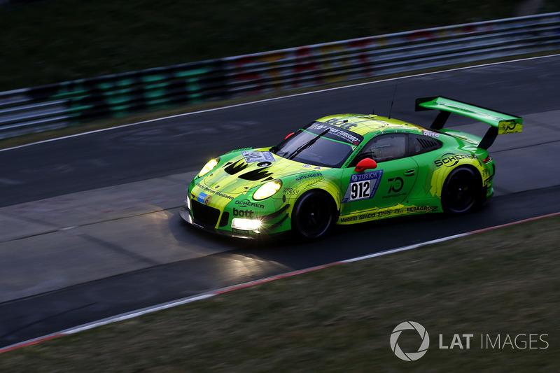 Richard Litz, Patrick Pile, Frederik Makovetsky, Nick Tandy, Manthey Racing, Porsche 911 GT3 R