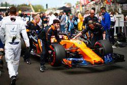 Stoffel Vandoorne, McLaren, arriveert op de grid