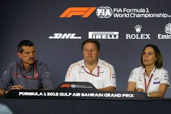 Guenther Steiner, Team Principal Haas F1, Zak Brown, Direttore Esecutivo McLaren e Claire Williams, Vice Team Principal Williams, nella conferenza stampa