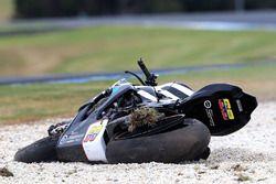 La moto de Yonny Hernández, Pedercini Racing después de la caída