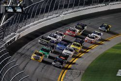 Arrancada: David Gilliland, Kyle Busch Motorsports Toyota líder