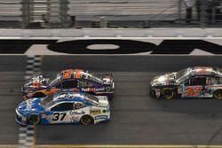 Chris Buescher, JTG Daugherty Racing Chevrolet Camaro, Denny Hamlin, Joe Gibbs Racing Toyota, Matt DiBenedetto, GO FAS Racing Ford Fusion