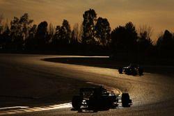 Nico Rosberg, Mercedes AMG F1 W07 Hybrid follows Sebastian Vettel, Ferrari SF16-H