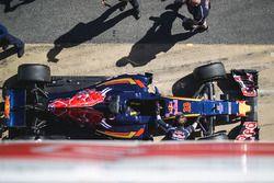 La Scuderia Toro Rosso STR11 di Max Verstappen, Scuderia Toro Rosso nei box