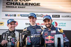منصة تتويج السباق الثاني: جيفري شميد، ريان كولين، عبدالعزيز الفيصل