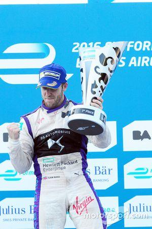 Podium: Winner Sam Bird, DS Virgin Racing Formula E Team