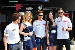 #46 Thiriet by TDS Racing Oreca 05 - Nissan: Pierre Thiriet, Mathias Beche, Ryo Hirakama with grid girls