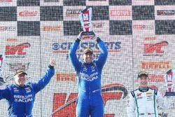 GT podium: ganador, Ryan Eversley, RealTime Racing, segundo, Peter Cunningham, RealTime Racing, tercero, Adderly Fong, Bentley Team Absolute
