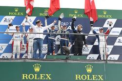 Podio LMP3: ganadores Thomas Laurent, Alexandre Cougnaud, DC Racing, segundo lugar Martin Brundle, C