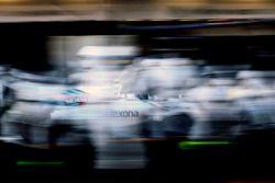 Valtteri Bottas, Williams FW38, pitstop