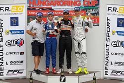 Podio: gandor Jehan Daruvala, Josef Kaufmann Racing, segundo lugar Robert Shwartzman, Josef Kaufmann
