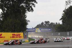 Start: #8 Audi Sport Team Joest Audi R18 e-tron quattro: Lucas di Grassi, Loic Duval, Oliver Jarvis