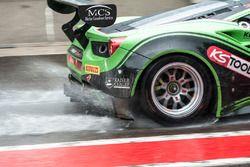 Lluvia #333 Rinaldi Racing, Ferrari 488 GT3: Rinat Salikhov, Pierre Ehret, Alexander Matschull, Marc