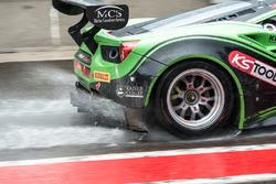 Rain, #333 Rinaldi Racing, Ferrari 488 GT3: Rinat Salikhov, Pierre Ehret, Alexander Matschull, Marco