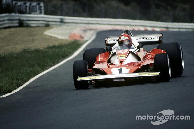 Abandono de Lauda, título de Hunt
