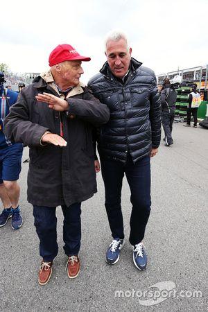 Niki Lauda, directeur non exécutif de Mercedes sur la grille