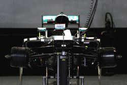 Машина Mercedes AMG F1 Team W07 вид с переди