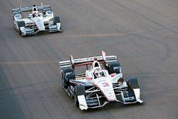 Helio Castroneves, Team Penske Chevrolet, Juan Pablo Montoya, Team Penske Chevrolet
