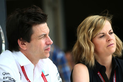 Mercedes-Motorsportchef Toto Wolff mit Ehefrau Susie Wolff