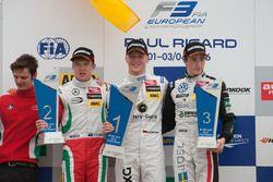 Podium : le deuxième, Nick Cassidy, Prema Powerteam Dallara F312 – Mercedes-Benz; le vainqueur Maximilian Günther, Prema Powerteam Dallara F312 – Mercedes-Benz; le troisième, Joel Eriksson, Motopark Dallara F312 – Volkswagen