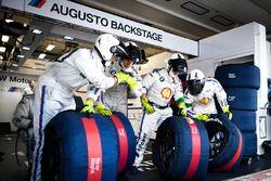Mechanics of Augusto Farfus, BMW Team MTEK, BMW M4 DTM