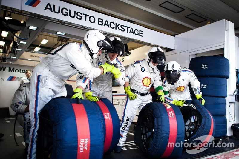 Mechaniker von Augusto Farfus, BMW Team MTEK, BMW M4 DTM