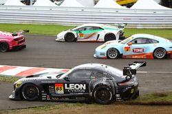 #65 K2 R&D Leon Racing Mercedes SLS AMG GT3: Haruki Kurosawa, Naoya Gamou runs out