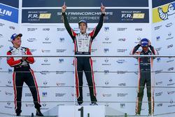 Подиум: победитель гонки Юго де Саделер, Tech 1 Racing, финишировавший вторым Дориан Бокколаччи, Tech 1 Racing и обладатель третьего места Ландо Норрис, Josef Kaufmann Racing