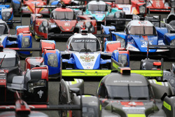 #37 SMP Racing BR01 – Nissan