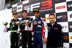 Podium: race winner Thomas Randle, Douglas Motorsport; second place Toby Sowery, Lanan Racing; third place Tarun Reddy, Fortec Motorsports