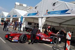 Sfeerbeeld in de Dragon Racing-pitbox