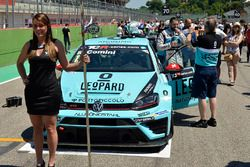 Grid girl of Stefano Comini, Leopard Racing, Volkswagen Golf GTI TCR