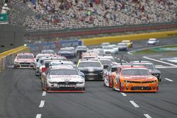 Joey Logano, Team Penske Ford, Denny Hamlin, Joe Gibbs Racing Toyota