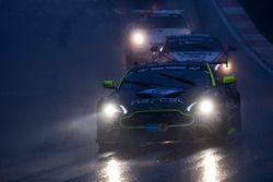 #42 Aston Martin Test Centre, Aston Martin Vantage GT8: Peter Cate, Dr. Florian Kamelg, Darren Turner