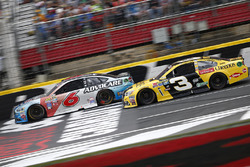 Trevor Bayne, Roush Fenway Racing Ford, Austin Dillon, Richard Childress Racing Chevrolet
