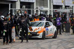#176 rent2Drive-racing Renault Megane RS: Axel Jahn, Andrei Sidorenko, Florian Quante