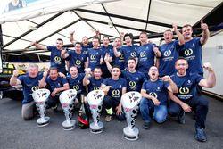 Equipo Renault e.Dams celebran los pilotos el Campeonato del equipo de