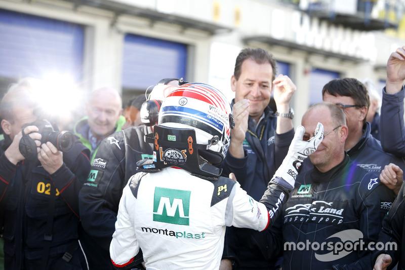 #29 Montaplast by Land-Motorsport, Audi R8 LMS: Connor De Phillippi