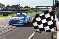 Le vainqueur Scott McLaughlin, Garry Rogers Motorsport Volvo