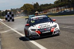 Race winner Gianni Morbidelli, West Coast Racing, Honda Civic TCR