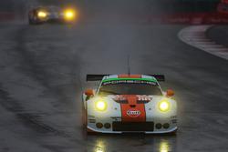 Michael Wainwright, Adam Carroll, Ben Barker, #86 Gulf Racing Porsche 911 RSR