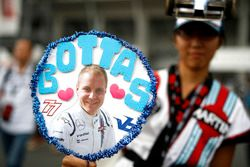Une fan de Valtteri Bottas, Williams