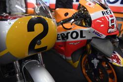 La Honda RC181 et la Honda RC213V
