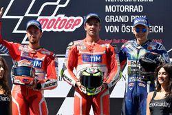 Podium: segundo, Andrea Dovizioso, Ducati Team, ganador, Andrea Iannone, Ducati Team, tercero, Jorge