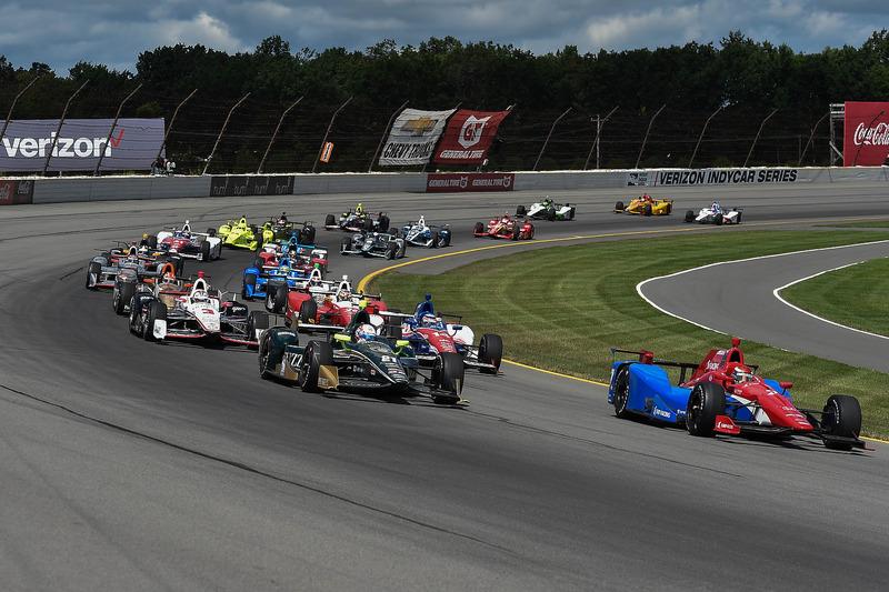 Partenza: Mikhail Aleshin, Schmidt Peterson Motorsports Honda al comando