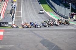 Андреа Янноне, Ducati Team лидирует на старте гонки