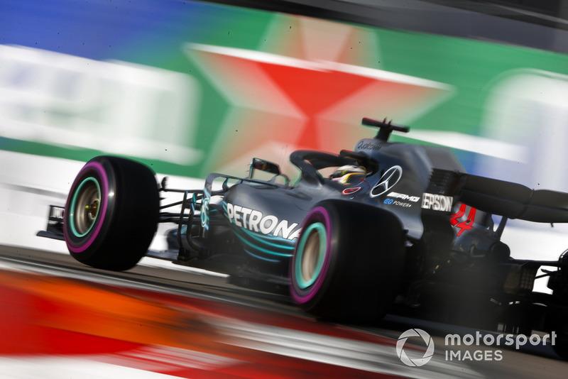 2: Lewis Hamilton, Mercedes AMG F1 W09, 1'31.532