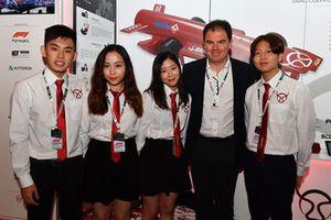James Allen, Presidente Motorsport Network, e gli studenti