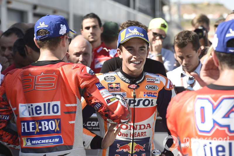 """Marc Márquez: """"Na primeira curva eu cheguei bem rápido e derrapando, fui bem longe, foi muito parecido com outro momento, com o Dovizioso onde nos tocamos, e eu fui para a parte verde da pista."""""""