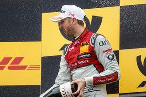 Podio: ganaor de la carrera RenŽ Rast, Audi Sport Team Rosberg.